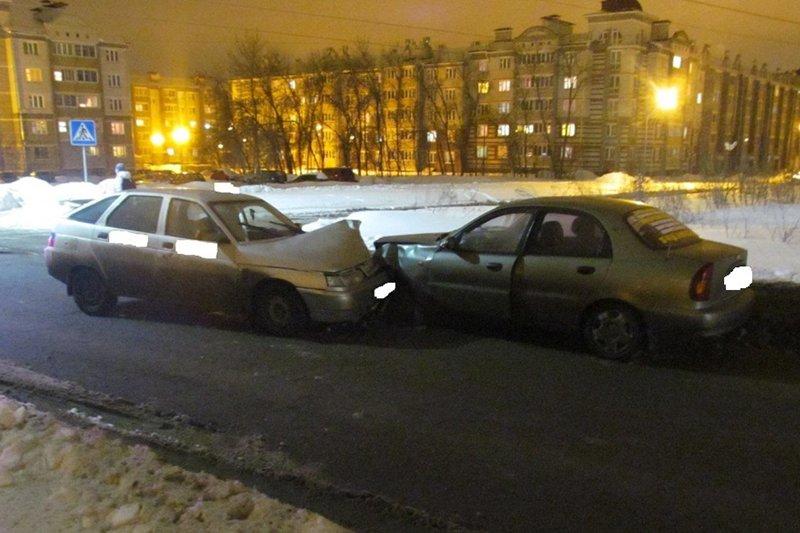 На белгородской трассе столкнулись два КамАЗа, фото-2