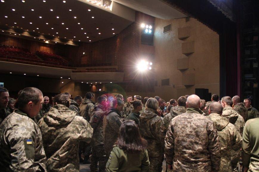 В Мариуполе Светлана Тарабарова заставила военных танцевать (ФОТО+ВИДЕО), фото-8