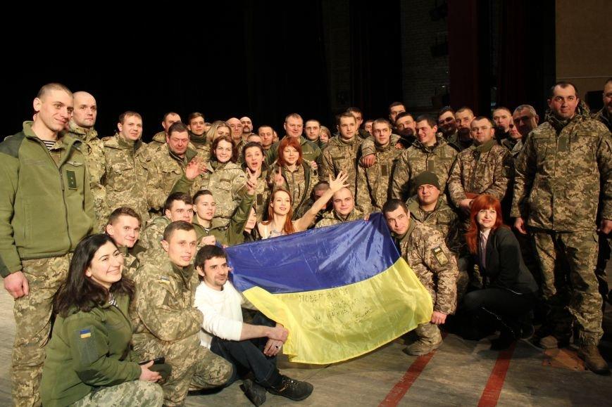 В Мариуполе Светлана Тарабарова заставила военных танцевать (ФОТО+ВИДЕО), фото-9