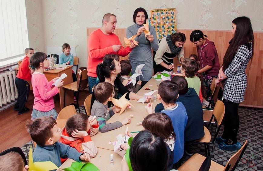 Дети из интерната изучали боевое искусство и мастерили ветряки, фото-4