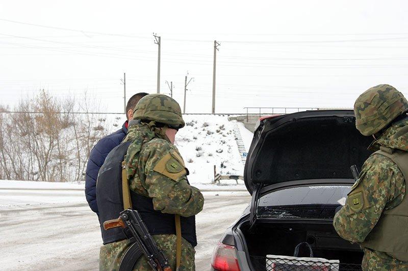 Правоохранители Бахмутской оперативной зоны усилили несения службы на территории обслуживания (ФОТОРЕПОРТАЖ), фото-4