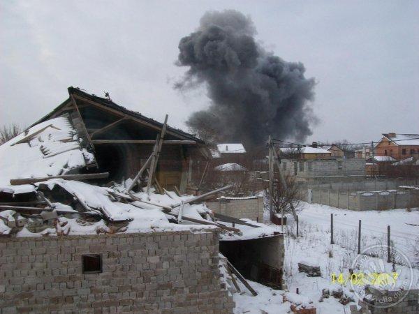 Мощный взрыв в Донецке. Над городом поднялся огромный столб черного дыма (ФОТО, ВИДЕО, ОБНОВЛЕНО), фото-1