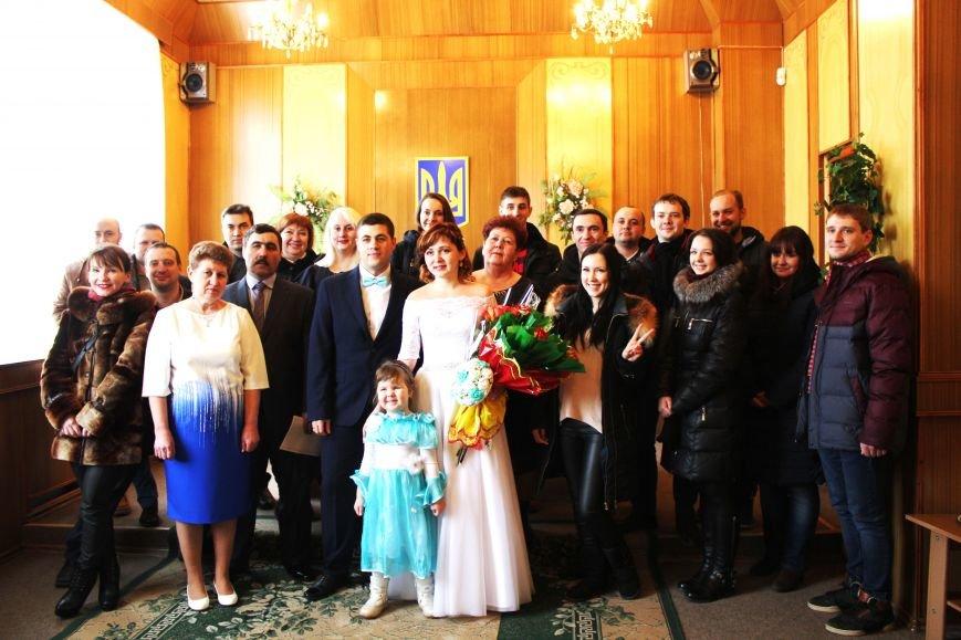 В День всех влюбленных сразу 12 пар решили заключить экспресс-брак (ФОТО), фото-4