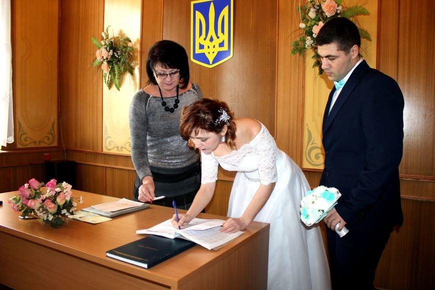 В День всех влюбленных сразу 12 пар решили заключить экспресс-брак (ФОТО), фото-2