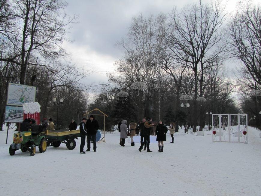 В центральном парке работают фотозоны для влюбленных, фото-8