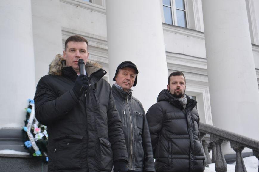 Похоронные венки у стен Полтавского горсовета: предприниматели митингуют за понижение налогов (Фото), фото-3