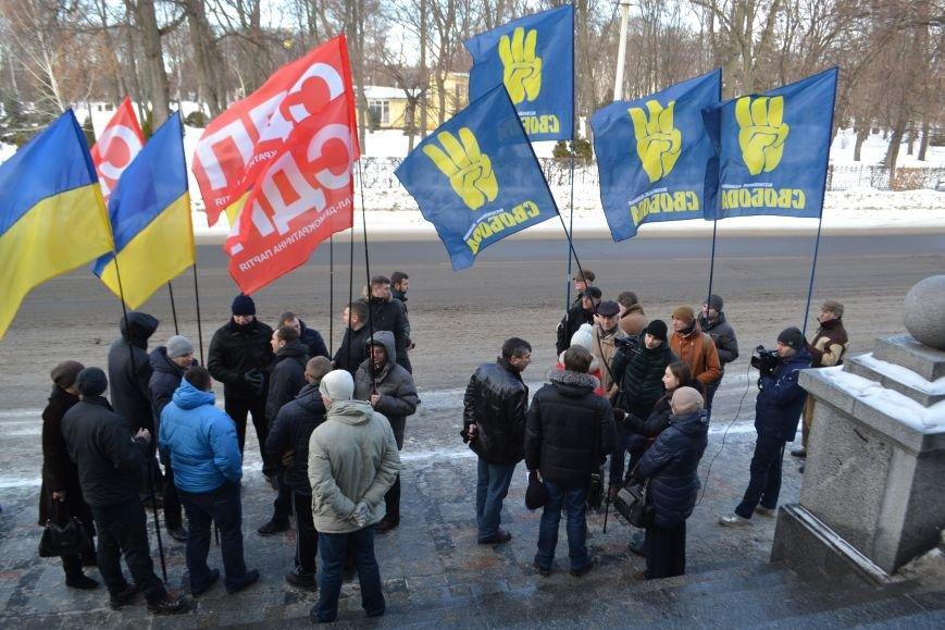 Похоронные венки у стен Полтавского горсовета: предприниматели митингуют за понижение налогов (Фото), фото-1