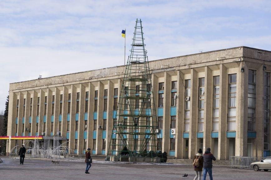 Главную елку Каменского уже разобрали, фото-1