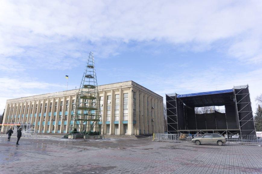 Главную елку Каменского уже разобрали, фото-6