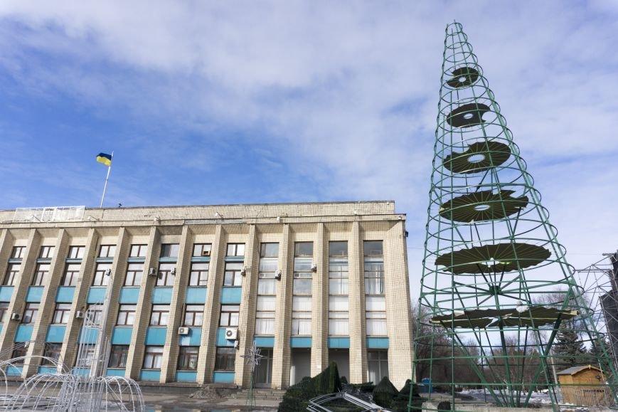 Главную елку Каменского уже разобрали, фото-7