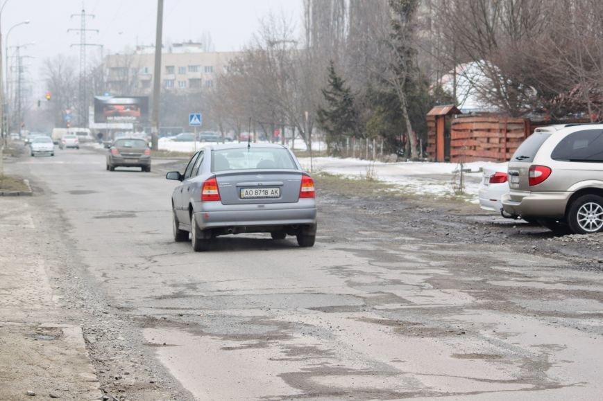 Ужгородські дороги після снігу: ямковий «облом», недобросовісні підрядники та плани міськради (ФОТОРЕПОРТАЖ), фото-1