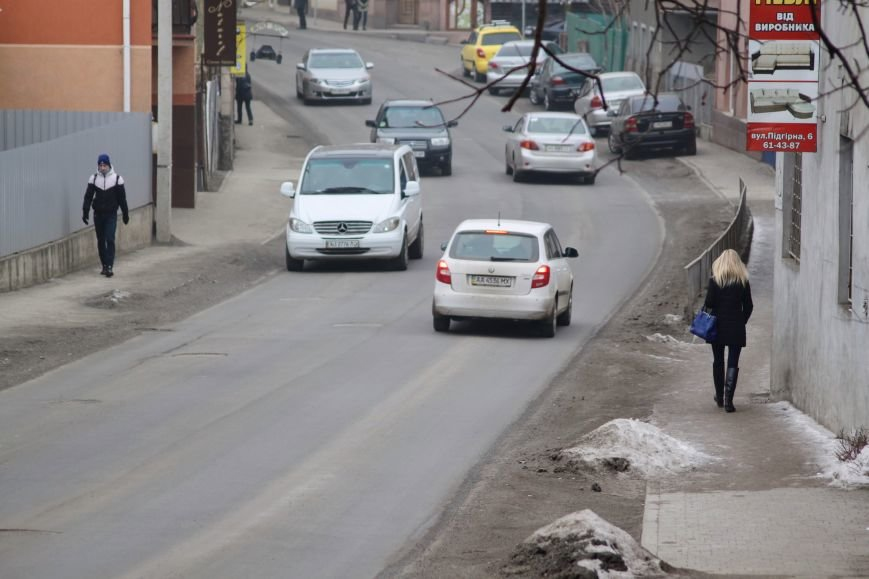 Ужгородські дороги після снігу: ямковий «облом», недобросовісні підрядники та плани міськради (ФОТОРЕПОРТАЖ), фото-9