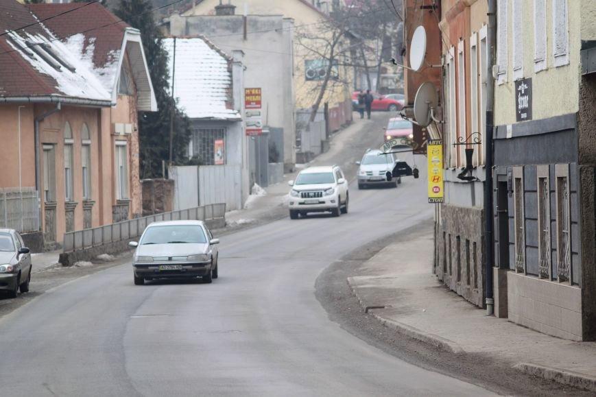 Ужгородські дороги після снігу: ямковий «облом», недобросовісні підрядники та плани міськради (ФОТОРЕПОРТАЖ), фото-16