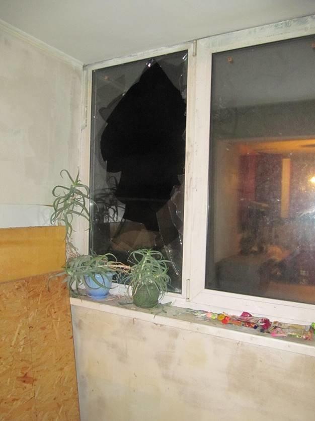 В Киеве вор забрался в квартиру по интернет-кабелю и притворился хозяином (ВИДЕО), фото-3