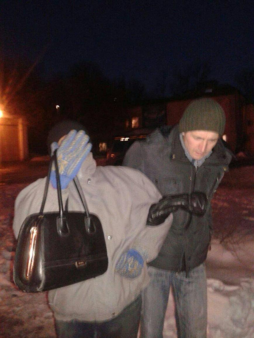 Житель Кривого Рога  задержал грабителя, вырвавшего сумку у женщины (ФОТО), фото-2