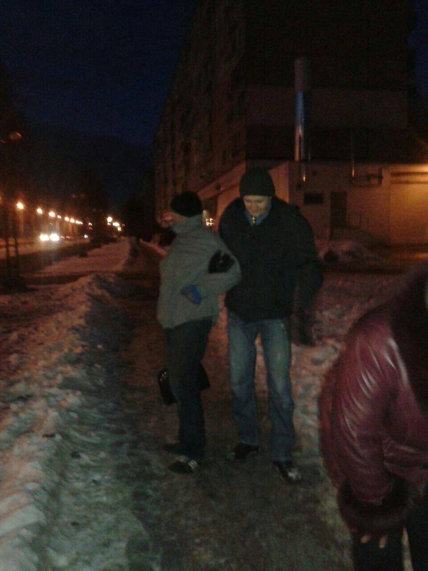 Житель Кривого Рога  задержал грабителя, вырвавшего сумку у женщины (ФОТО), фото-1
