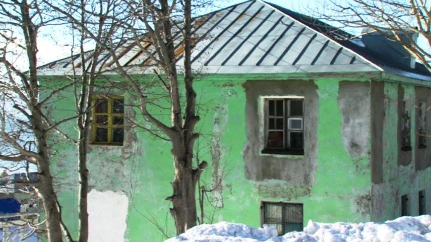 В Петропавловске расселенные дома на Фрунзе облюбовали бомжи и наркоманы, фото-1