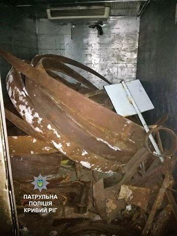В Кривом Роге под покровом ночи перевозили металл (ФОТО), фото-3