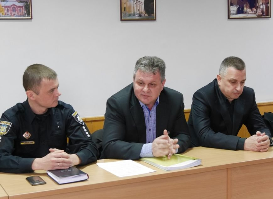 Мер Ужгорода запитав у представників ужгородських таксі, чому машини брудні: фото, фото-4