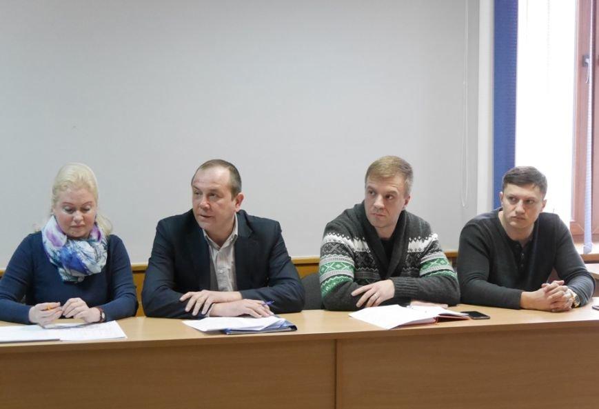 Мер Ужгорода запитав у представників ужгородських таксі, чому машини брудні: фото, фото-5