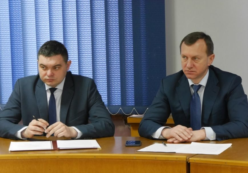Мер Ужгорода запитав у представників ужгородських таксі, чому машини брудні: фото, фото-3