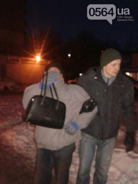 """В Кривом Роге: прокуратура провела обыск в """"Кривбассводоканале"""", криворожанин засунул в рот лампочку, мужчина задержал грабителя, фото-3"""