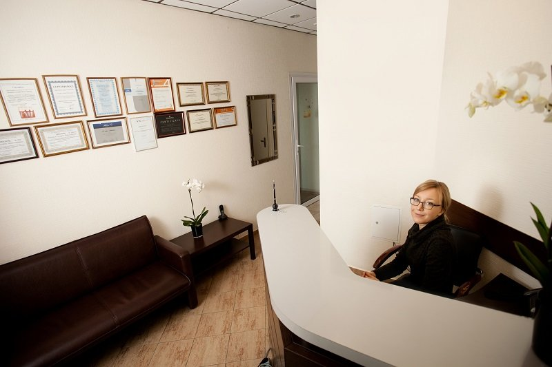 Имплантация зубов с 20-летней гарантией в стоматологии Лукашука на Теремках в Киеве, фото-1
