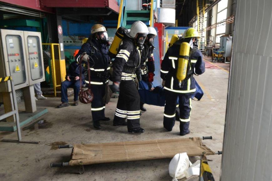 У Кам'янці рятувальники тренувались ліквідовувати надзвичайну подію на хімічно-небепечному підприємстві, фото-5