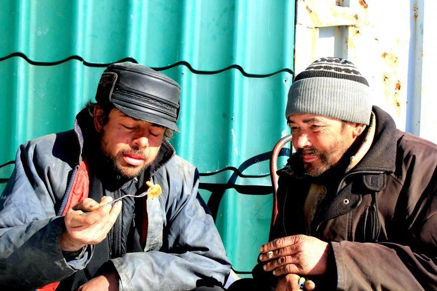 Жизнь мариупольских бездомных, фото-10