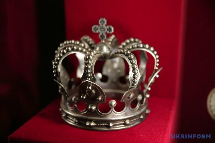 корони 10
