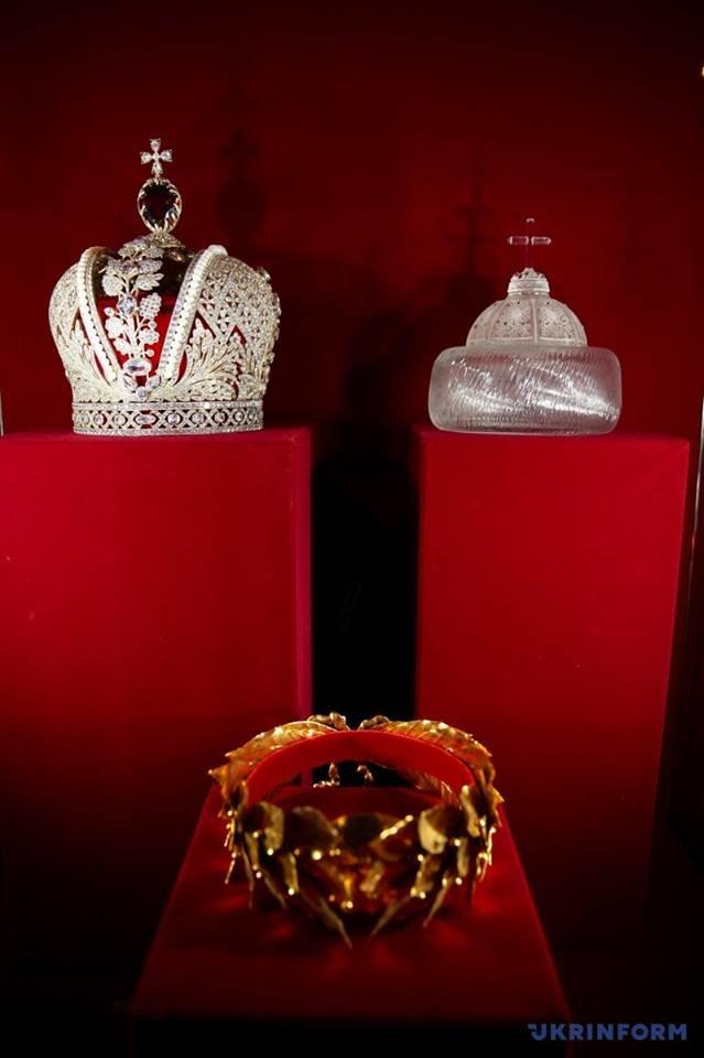 корони 9