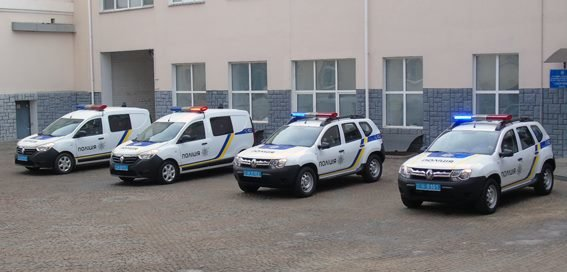 У Херсоні поліцейські отримали нові службові автомобілі (фото), фото-1