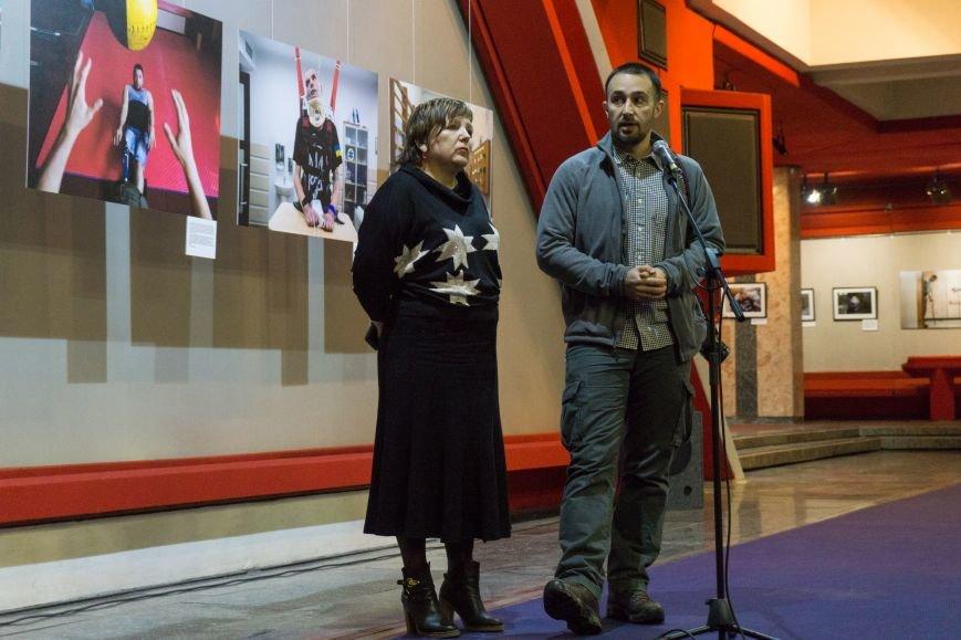 Фотовыставка «Раны» открылась сегодня в каменском музее истории, фото-2