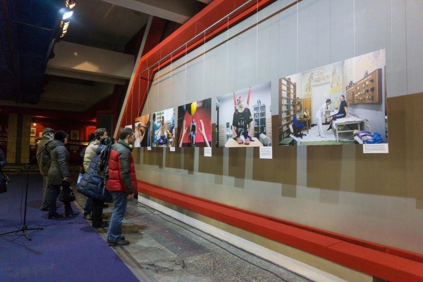 Фотовыставка «Раны» открылась сегодня в каменском музее истории, фото-3