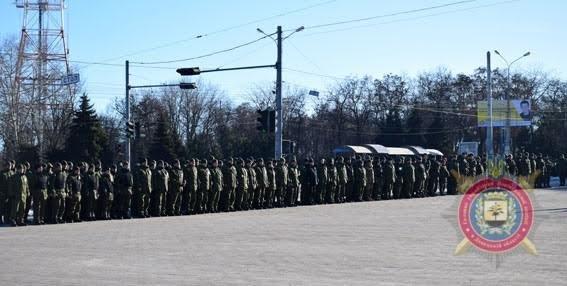 Мариупольских полицейских за оперативное раскрытие преступлений наградили на площади(ФОТО), фото-5