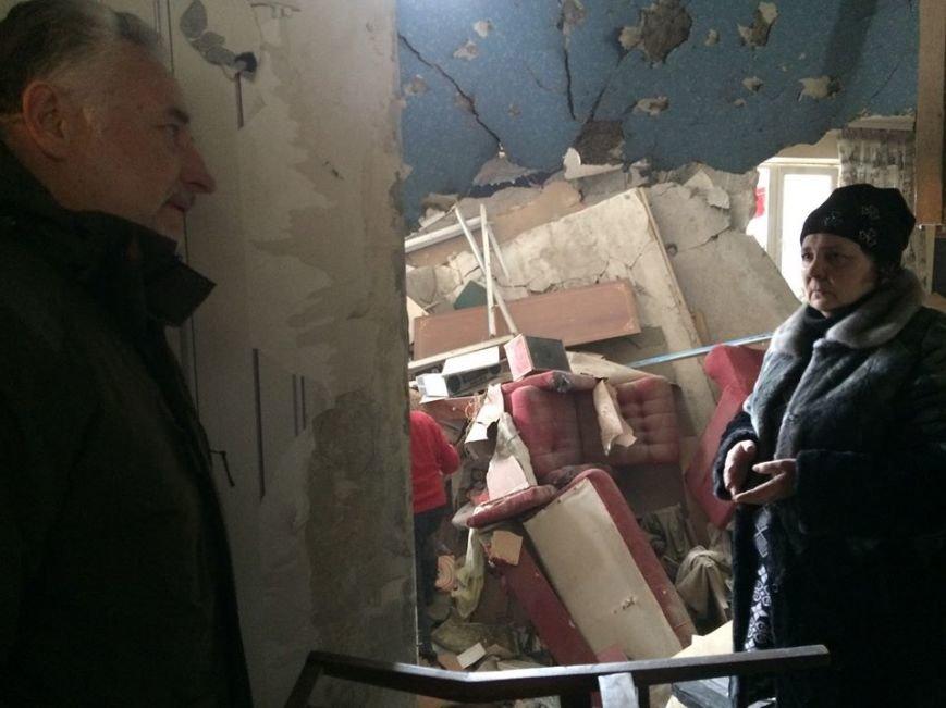 Жебривский  проинспектировал  пострадавшие от обстрелов городские объекты (ФОТОФАКТ), фото-1