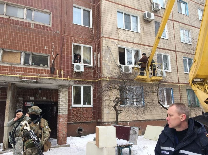 Жебривский  проинспектировал  пострадавшие от обстрелов городские объекты (ФОТОФАКТ), фото-2