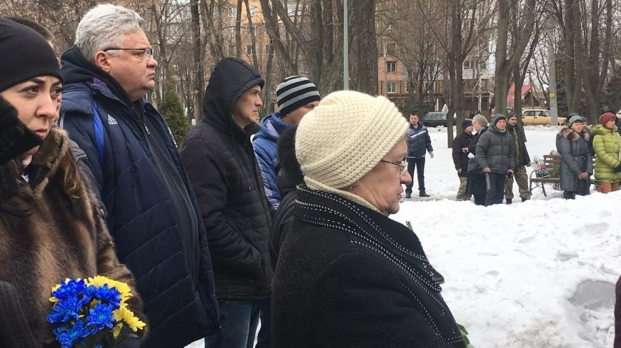 Военный капеллан - патриотам Кривого Рога: Хватит флагами махать и селфи для Киева делать! (ФОТО), фото-3