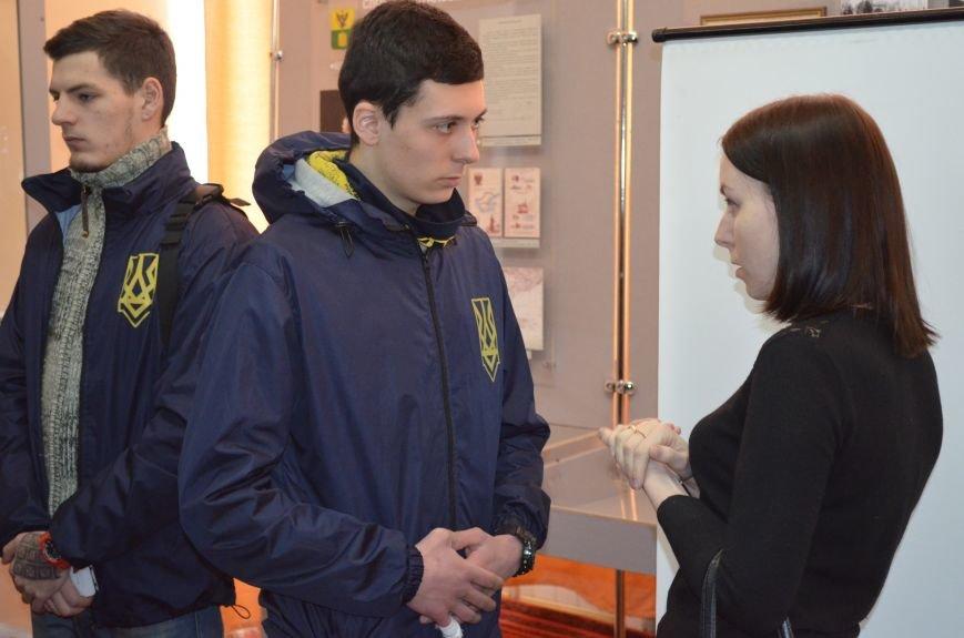 Мелитопольским гимназистам рассказали о жестоких боях за Дебальцево, фото-6