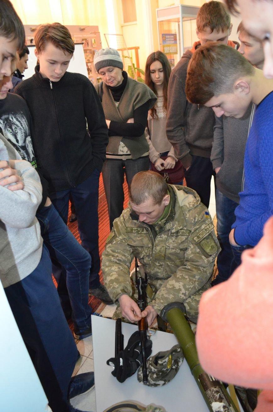 Мелитопольским гимназистам рассказали о жестоких боях за Дебальцево, фото-7