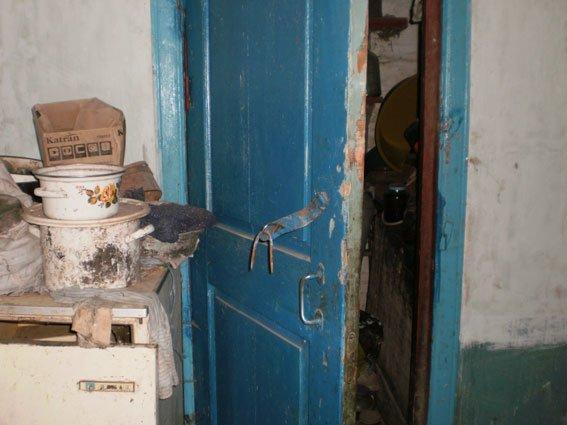 В Черниговской области рецидивисты отобрали у старушки деньги, чтобы пропить, фото-1