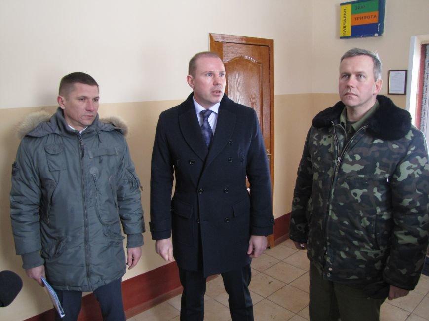 Мэр остался недоволен качеством шефской помощи военным (фото), фото-1