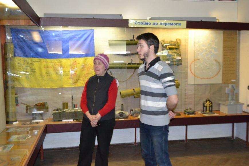 В Криворожском музее продолжают собирать данные о погибших в АТО земляках (ФОТО), фото-2