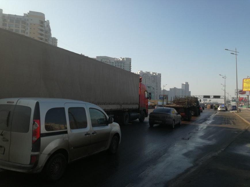 На Бажана перевернулся автомобиль (ФОТО), фото-1