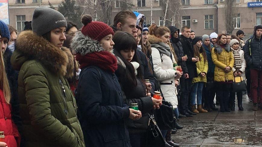 В Кривом Роге студенты и педагоги почтили память Героев Небесной Сотни (ФОТО), фото-22