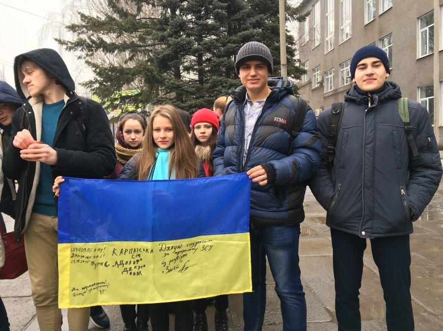 В Кривом Роге студенты и педагоги почтили память Героев Небесной Сотни (ФОТО), фото-14