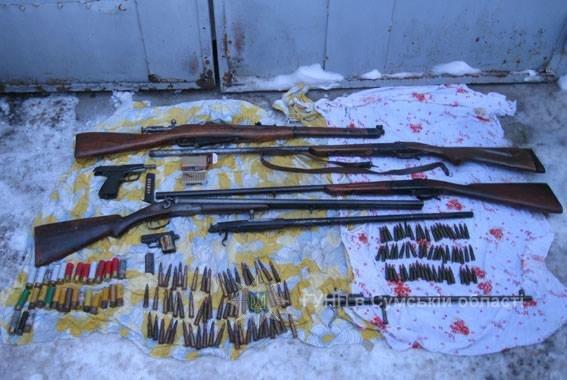 Цілий арсенал зброї розкопав конотопець на території колишньої військової частини, фото-2