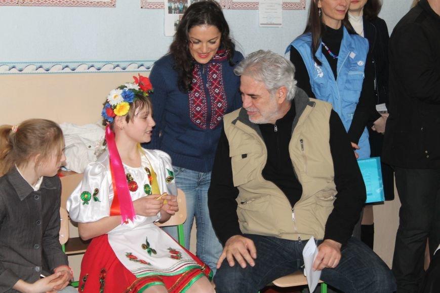 Комиссар Европейского Союза посетил Бахмут, фото-4