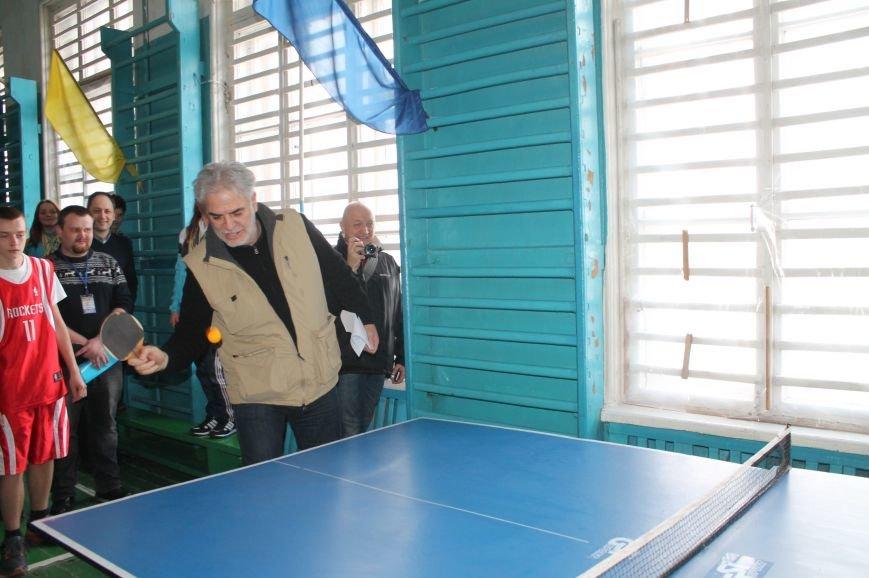 Комиссар Европейского Союза посетил Бахмут, фото-9