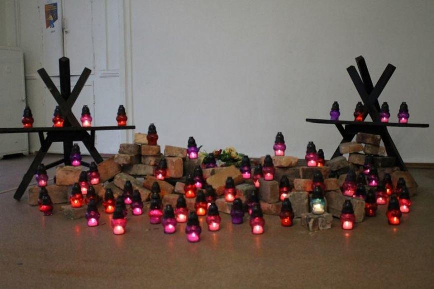 """В ДК """"Молодежный"""" в годовщину Майдана показали фильм из цикла """"Зима, що нас змінила"""" (Фотофакт), фото-4"""